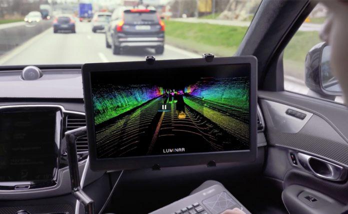 Auto a guida autonoma Volvo con Luminar
